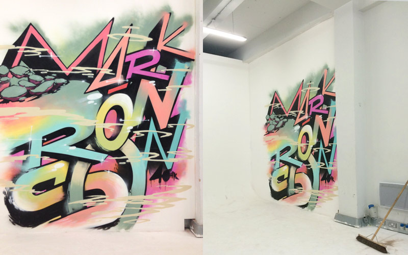 Q MAGAZINE MARK RONSON IN FRONT OF GRAFFITI MURAL PAINTSHOP STUDIO