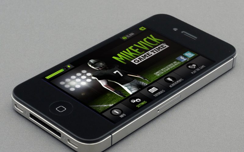 MIKE VICK GAME TIME FOOTBALL MOBILE PHONE APP GRAPHICS DESIGN PAINTSHOP STUDIO